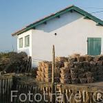 Casa almacen. Puerto ostricola, junto al canal de ORS. Isla de Oleron. Francia