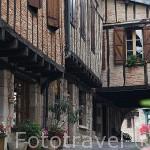 Calle. Pueblo del s.XVI - XVII de Castelnau de Montmiral. Tarn. Francia