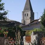 Iglesia Ste. Corneille. Pueblo medieval de Puycelsi. Tarn. Francia