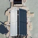Detalle de una ventana. Pueblo medieval de Cordes Sur Ciel. Tarn. Francia