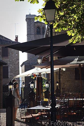 Plaza de la Bride. Pueblo medieval de Cordes Sur Ciel. Tarn. Francia