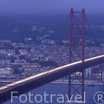 El puente del 25 de Abril sobre el río Tajo. LISBOA. Portugal
