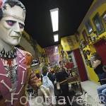 Tienda de tatuajes en la Rua do Norte. Barrio Alto. Ciudad de LISBOA. Portugal