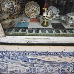 Tienda con azulejos y recuerdos. Barrio del Chiado. Ciudad de LISBOA. Portugal