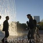 El edificio de la cascada construida para la Expo del 98. Parque de las Naciones. LISBOA. Portugal
