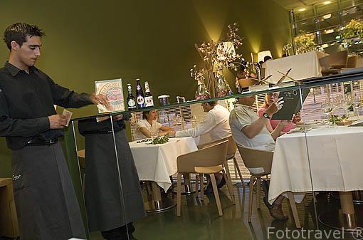 Moderno restaurante Origens, con comida Bio natural. LISBOA. Portugal