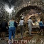 Interior de la casa reconstruida de la Virgen Maria, en el campo de Panaya Kapulu, cerca de las ruinas de EFESO / EPHESUS. Egeo. Turquia