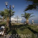 Paseo maritimo. Ciudad de KUSADASI o Isla de los Pajaros. Mar Egeo.Turquia