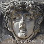 Escultura con figura humana en un friso. Ruinas de DIDIMA. Costa del mar Egeo. Turquia