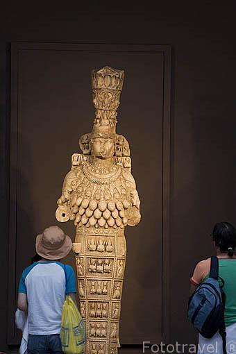 Escultura de Artemisa Efesia, protegia a las mujeres embarazadas, Diosa de la abundacia y la fertilidad. Museo de EFESO / EPHESUS.Costa del mar Egeo. Turquia