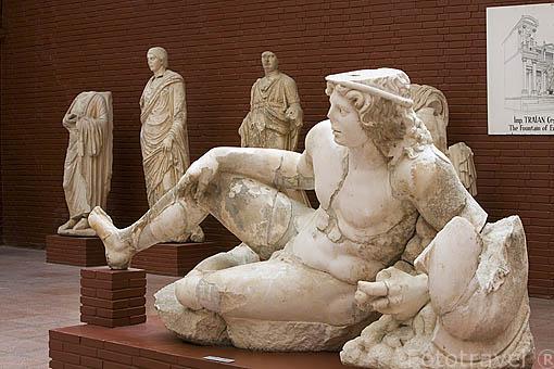 Escultura de un gladiador. Museo de EFESO / EPHESUS. Costa del mar Egeo. Turquia