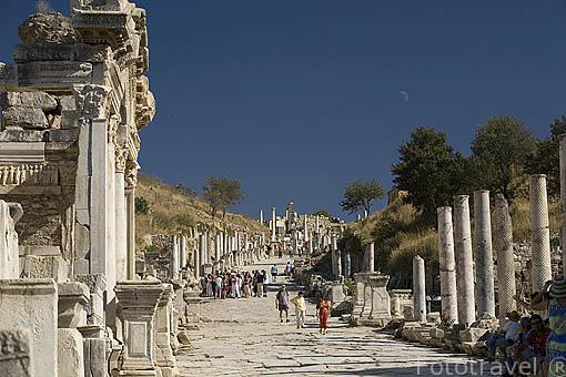 Via de los Curetes. Ruinas de EFESO / EPHESUS. Egeo. Turquia