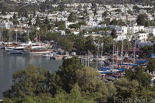 Paseo maritimo. La ciudad de BODRUM, antes Halicarnaso. Costa del mar Egeo. Turquia