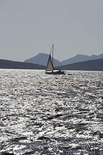 Veleros frente a las costas de BODRUM. antigua Halicarnaso. Costa del mar Egeo. Turquia
