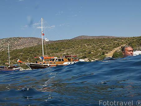 Barco turco llamado Caiques. Muy utilizado en la costa del Egeo y Antalya. Mar Mediterraneo. TURQUIA