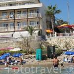 Bañistas. Ciudad de SIDE orientada al mar Mediterraneo. Turquia