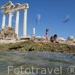 Templo de Apolo junto a la orilla del mar Mediterraneo. Ruinas de SIDE. Turquia