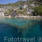 Ruinas de Likia sumergidas bajo el agua. Mar Mediterraneo. Isla deshabitada de KEKOVA. Provincia de Antalya. Turquia