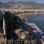 Vista de la ciudad de ALANYA desde lo alto de la Torre Roja o Kizil Kule. Mar Mediterraneo. Provincia de Antalya. Turquia