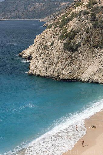 Playa de Kas. Cerca de la poblacion de KAS. Aqui se une el mar Egeo con el Mediterraneo. Provincia de Antalya. Turquia