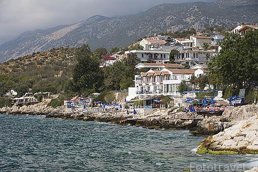 Playa de KALKAN frente al mar Mediterraneo. Provincia de Antalya. Turquia