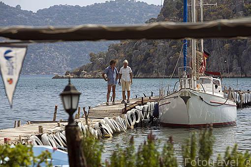 Pueblo pesquero y embarcadero de UCAGIZ. Provincia de Antalya. Turquia