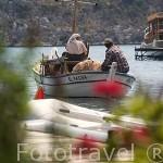 Pescador con su mujer. Pueblo pesquero de UCAGIZ. Provincia de Antalya. Turquia