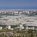 Campos de cultivo de naranjas y otras plantaciones cubiertas de plastico entre DEMRE y MIYRA. Provincia de Antalya. Turquia