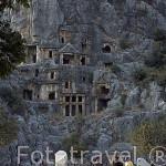 La necropolis excavada en la pared rocosa. Ruinas de MYRA. Ciudad perteneciente a la liga Lycia Provincia de Antalya. Turquia