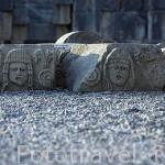 Restos del teatro romano esparcidos por el suelo. Ruinas de MYRA. Ciudad perteneciente a la liga Lycia Provincia de Antalya. Turquia