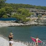 Playa junto a las ruinas de la ciudad de PHASELIS fundada en el 690 a.C. Provincia de Antalya. Mar Mediterraneo. Turquia