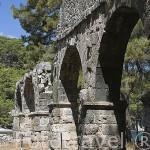 Restos del acueducto. Ruinas de la ciudad de PHASELIS. Fundada en el 690 a.C. junto al mar Mediterraneo. Provincia de Antalya. Turquia