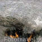 El fuego del monte eterno procedente de emanaciones de gas, en el monte conocido como Yanartas o Chimera. Cerca de OLYMPOS. Provincia de Antalya. Turquia