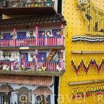 Puestos de venta de productos tipicos y turisticos. Parque artesanal Lomas de San Antonio. Santiago de CALI. Valle del Cauca. Colombia