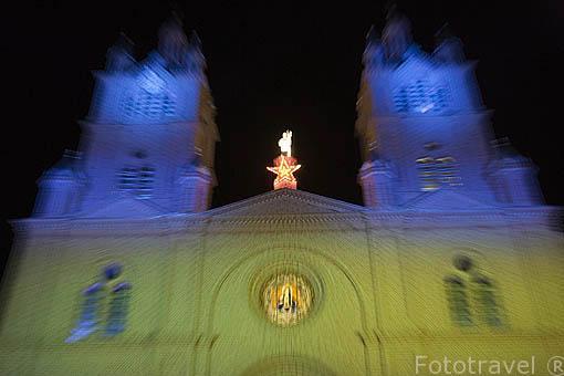Basílica del Señor de los Milagros. En 1937,el Cardenal Pacelli (futuro Papa Pío XII) decreto que se nombraba a este templo como Basilica del Sr. de los Milagros. BUGA. Colombia