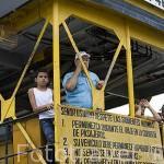 Ferry que atraviesa el rio Magdalena en MAGANGUE. Colombia. Suramerica