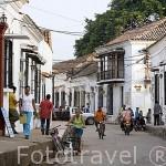 Calle Real del Medio.Ciudad colonial de MOMPOX. Patrimonio de la Humanidad, UNESCO. Isla más grande de Suramerica. Colombia. Suramerica