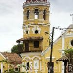 Iglesia de Santa Barbara. Barroca, 1613. Ciudad colonial de MOMPOX. Patrimonio de la Humanidad, UNESCO. Isla más grande de Suramerica. Colombia. Suramerica