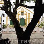 Iglesia de Santo Domingo. 1548. Ciudad colonial de MOMPOX. Patrimonio de la Humanidad, UNESCO. Isla más grande de Suramerica. Colombia. Suramerica