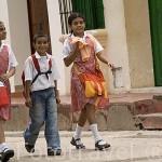 Jovenes estudiantes. Ciudad colonial de MOMPOX. Patrimonio de la Humanidad, UNESCO. Isla más grande de Suramerica. Colombia. Suramerica