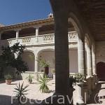 Claustro del convento de Santa Clara de la Columna. Fundado en 1476 por Doña Elvira de Zuñiga. BELALCAZAR. Comarca de Los Pedroches. Cordoba. España