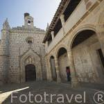 Fachada y soportales del convento de Santa Clara de la Columna. Fundado en 1476 por Doña Elvira de Zuñiga. BELALCAZAR. Comarca de Los Pedroches. Cordoba. España