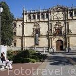Fachada de la Universidad, Colegio Mayor de San Ildefonso. Fundada por el Cardenal Cisneros en1499. Renacentista. Fachada por Rodrigo Gil de Hontañon. ALCALA DE HENARES. Unesco.España