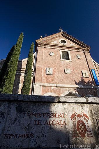 Fachada del antiguo colegio Convento de Trinitarios Descalzos. ALCALA DE HENARES. Ciudad patrimonio Unesco. Madrid. España