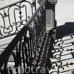 Escaleras de acceso al Palacio. Jardin historico artistico (s. XVIII) El Capricho. Madrid capital. España