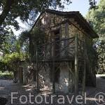 Casa de la Vieja. Jardin historico artistico (s. XVIII) El Capricho. Madrid capital. España