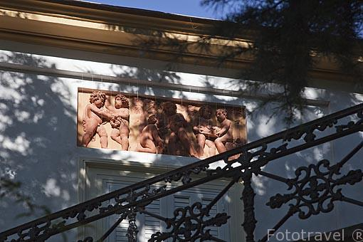 Detalle del Casino de Baile. Jardin historico artistico (s. XVIII) El Capricho. Madrid capital. España