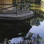 Casa de Cañas y el Lago. Jardin historico artistico (s. XVIII) El Capricho. Madrid capital. España