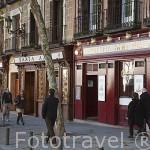 Bares y cervecerias en la Plaza de Santa Ana. Zona de Huertas. Madrid capital. España