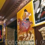 Interior del bar La Fragua de Vulcano con azulejos. Barrio de Huertas. Madrid. España